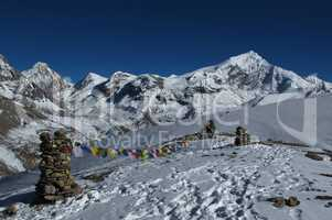 Prayer flags in the Himalayas, Chulu West