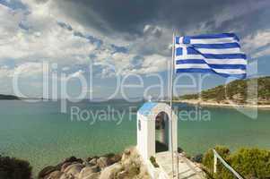 kleine griechische Kapelle und das Meer
