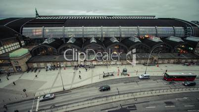 Hamburg main station in the evening - top view DSLR time lapse