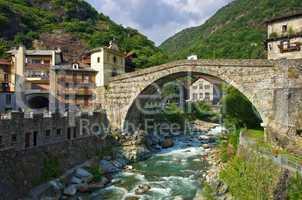 Pont Saint Martin 01