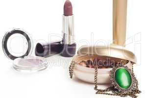 Makeup accessories with necklace