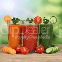 Gemüsesaft wie Karottensaft und Tomatensaft