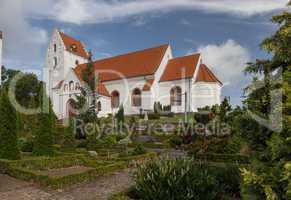 Kirche im Friedhof