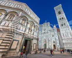 FLORENCE - DECEMBER 22, 2012: Tourists in Piazza del Duomo at ni