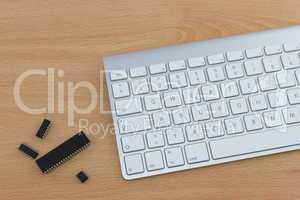 Tastatur mit Computer Chips