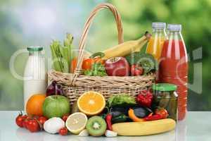 Früchte, Gemüse, Getränke, Lebensmittel Einkäufe im Korb