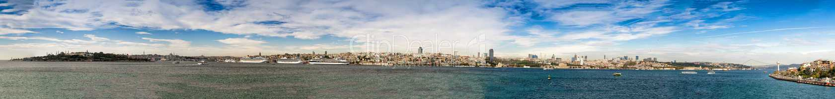 Complete panoramic view of Istanbul from Maiden's Tower