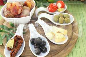 gefüllte Tapas mit Pflaumen, Feigen und Aprikosen