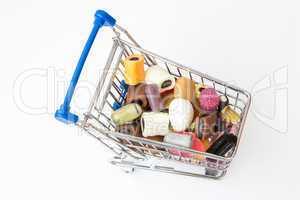 Einkaufswagen mit Süßigkeiten