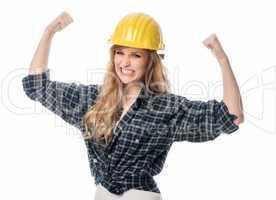 Frustrierter weiblicher Handwerker macht Fäuste