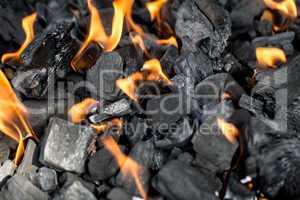 Brennende Holzkohle