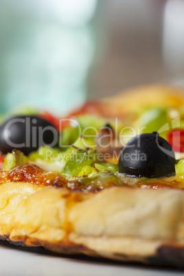 Closeup einer Pizza auf einem Teller