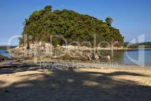 rocks and water in mamoko isle