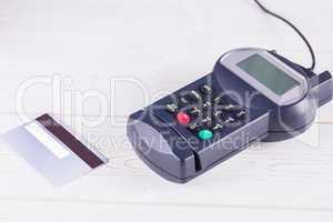 Pin terminal and credit card