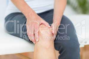 Woman having knee pain