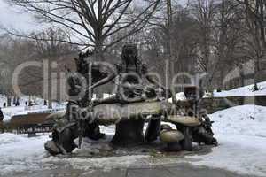 Statue Alice in Central Park