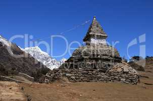 Old stupa on the way from Namche Bazar to Kunde,