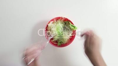 eating salad timelapse