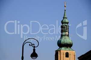 kirchenturm und alte beleuchtung