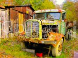 miniatur alter lastwagen