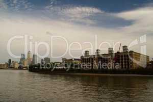 Industriegebiet an der Themse in London
