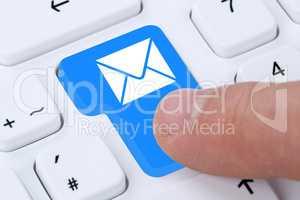 E-Mail Email Nachricht Message Brief senden auf Computer