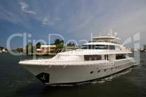 Yacht seitlich weiß Luxus