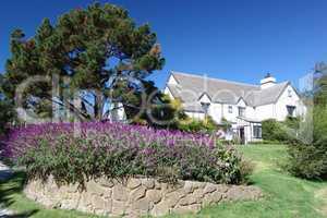 kleines Haus mit Vorgarten in Amerika
