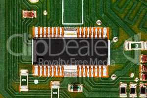 Electronic circuit board with chip and radio components