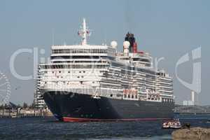 Queen Elizabeth im Hamburger Hafen