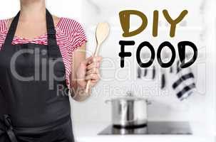 diy food köchin hält kochlöffel hintergrund