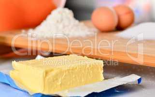 Stück Butter für den Teig