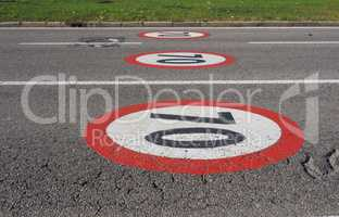 Maximum speed sign