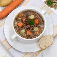 Linsensuppe mit Linsen und Gemüse gesunde Ernährung Suppe in S