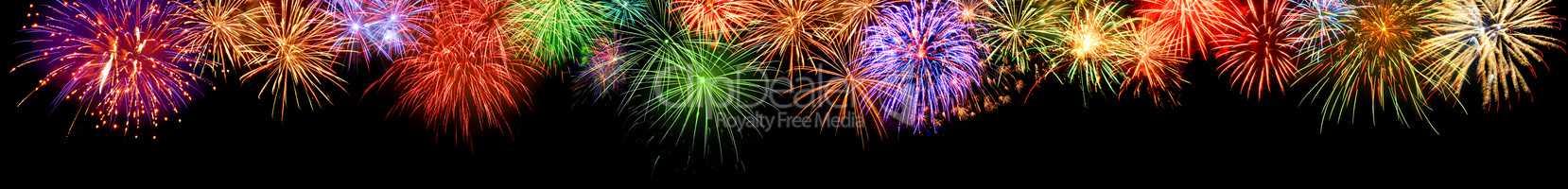 Feuerwerk Borüre, freudig bunt und extra breit