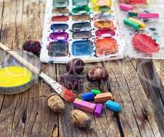 Paint on the autumn table