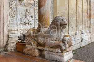 Column-bearing lion in San Zeno