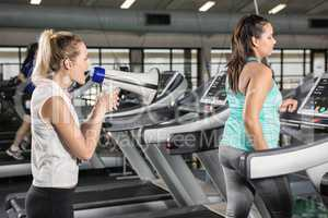 Trainer motivating woman