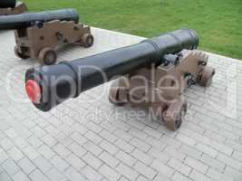 The old cannons, stands in the walking park