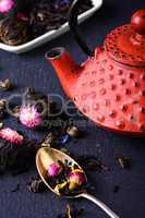 Teapot and loose leaf tea