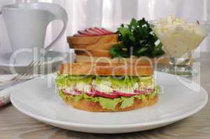 Egg sandwich with radish