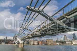 Millennium Bridge Pedestrian Bridge over River Thames LONDON, EN