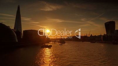 Sunset timelapse view of the river Thames in London