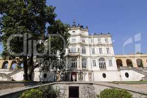 Famous Baroque castle - Ploskovice