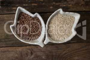 sesame and  linseed in the bowls
