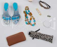 Sommer Mode Accessoires im Flat Lay Still