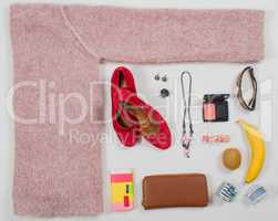 Sommer Mode Accessoires im Flat Lay Still