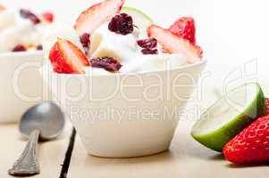 fruit and yogurt salad healthy breakfast