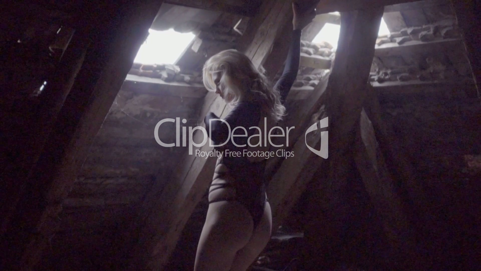 Clips Sexy Blonde Woman Dancing Royalty Free