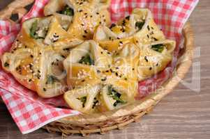 puff pastry  with spinach and ricotta